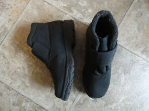 Winter Black Boots - Very Comfy - Size 7