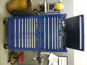 MAC and SNAP ON TOOL BOX BLUE LARGE LIKE NEW