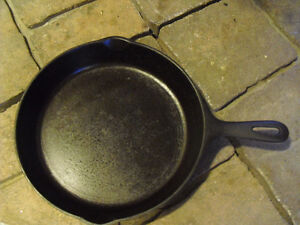 Vintage 10.5 inch Wager Ware Cast Iron Skillet/Frying Pan - GHC