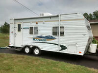 2009 travel trailer 21ft.