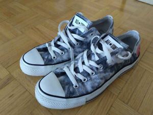 Pink Floyd Converse low tops