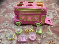 Early Leaning Centre Bus Shape Sorter Pink