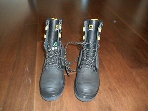 Men safety boots new, never used