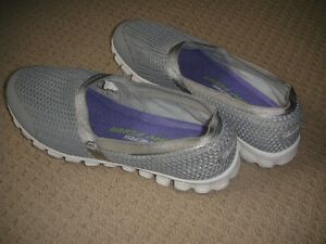 girls skechers shoes size 2