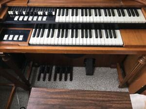 Hammmond M3 Organ