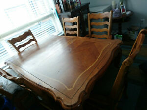 selling dining table