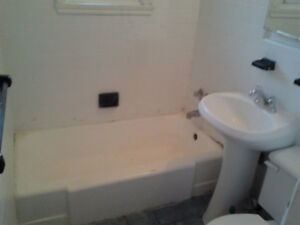 Bathtub Refinishing Longueuil