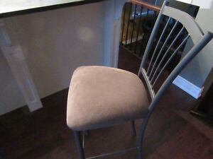 Looking for buying this chair London Ontario image 1