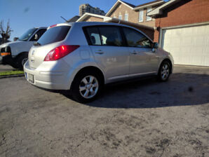 2007 Nissan Versa 140 000km.  Safety Certified