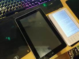 Lot of tablets and e readers