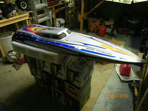 Wind Rider 56 inch rc boat for sale West Island Greater Montréal image 6