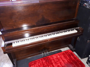 upright piano buy or sell used pianos keyboards in winnipeg kijiji classifieds. Black Bedroom Furniture Sets. Home Design Ideas