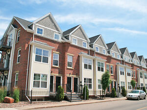 CONTEMPORARY TOWNHOUSE CONDO, DWNTWN CHARLOTTETOWN - WALK TO ALL
