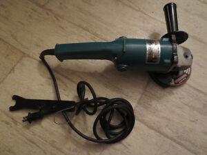 125mm Makita grinder