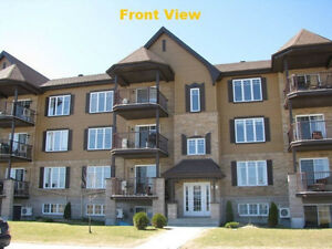 $1280 /mth - 1200 sf - 2 bedroom New Condo for Rent (Vaudreuil)