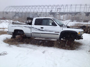 2001 Dodge Power Ram 2500 white Pickup Truck