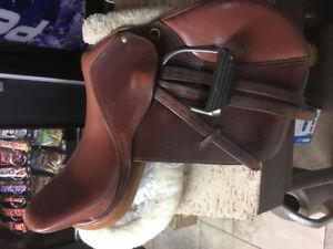 Equitation- selle classique de saut/ classic saddle