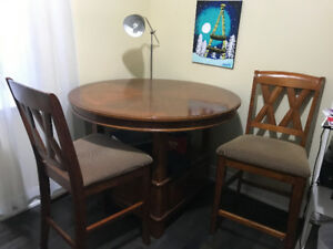 Dinning Set-Table, 4 chair & hutch $350