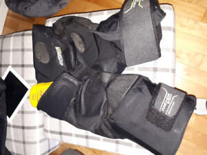 Bauer Totalone Hockey pants mens medium ,shell included