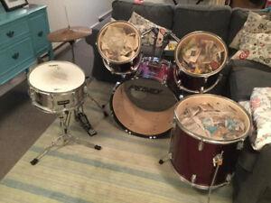 Peavey drum set