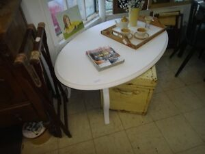 RURAL ROOTS DECOR SHOP:  Coffeetables and more