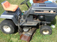 LAWN TRACTOR WITH DECK AND SNOWBLOWER