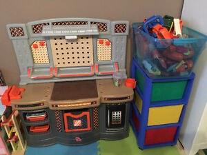 STEP 2 Home Depot Kids Center Mint Cond. Includes Tools