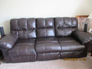 Awe Inspiring Leather Recliner Sofa Kijiji In Winnipeg Buy Sell Interior Design Ideas Tzicisoteloinfo