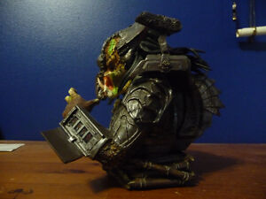 Predator Defeated Limited  Bust West Island Greater Montréal image 2