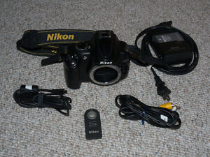 Nikon D5000 DSLR 12.6 Mega Pixel camera body