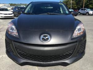 2013 Mazda 3 Hatchback   *****LOW KM's******