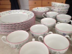 Johnson Brothers Summer Chintz Dishes -  NEW 8$/piece