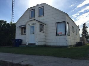 HOME FOR SALE IN GAINSBOROUGH SK Regina Regina Area image 1