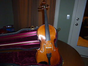 Violin Karl Weber Dresden model 7 with case and horse hair bow
