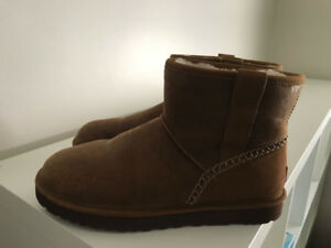 UGG BOOTS FOR MEN, SIZE 10 - NEW!