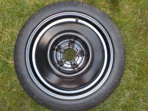 Roue de Secours / Spare Wheel : T115/70/D14