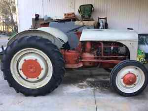1947 2 n ford tractor