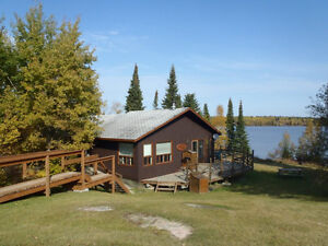 Deluxe waterfront 3 bedroom/2 bathroom cabins for rent/May-Nov