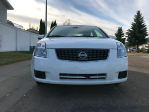 Selling 2007 Nissan Sentra with low kms