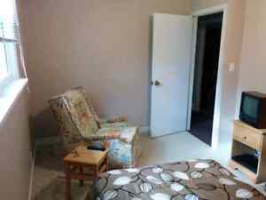 St. Thomas room for rent in country setting!!! London Ontario image 4