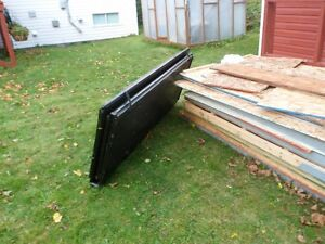 MAKE AN OFFER  6.8 ft F250 Trifold Hardtop Tonneauu cover St. John's Newfoundland image 2