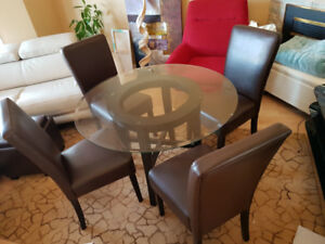 Glass dining table, 4 leather chairs