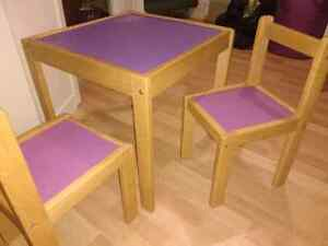 Childs chalkboard table with three chairs