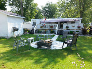 Fleetwood Canadian Country Cottage 37 ft.park model trailer