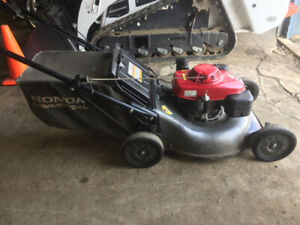 "21"" Honda Commercial HRC216 Lawnmower"