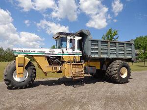 Off road dump truck