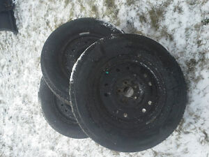 FORD ESCAPE MICHELIN X ICE 3 TIRES EXCELLENT CONDITION!