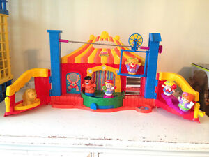 Fisher Price Little People Fun Sounds Circus
