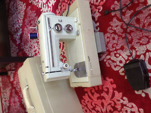 Sewing machine Kenmore