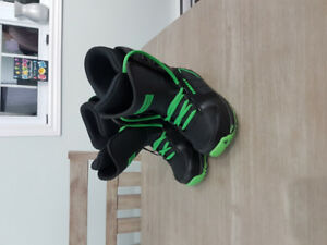 Firefly Snowboard Boots (Size 5)
